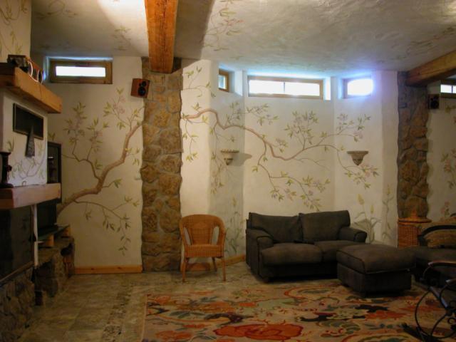 Евгений Щеглов ЯПОНСКИЙ САД малая гостиная в цокольном этаже загородного дома акрил